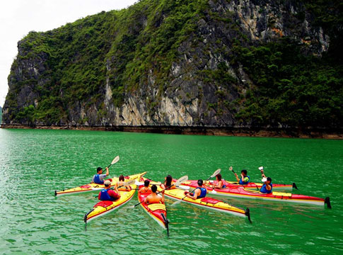 incentives in halong bay